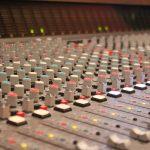 録音作品が出来るまでの主要な各工程(ミックスとマスタリングの違いだとか)